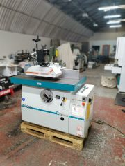Griggio T220 Spindle moulder complete with a 4 roller Power feed